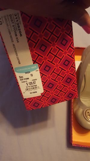 Tory Burch Shoes- Tan size 10 for Sale in Washington, DC