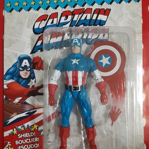 CAPTAIN AMERICA with Throwing Shield for Sale in Brooklyn, NY
