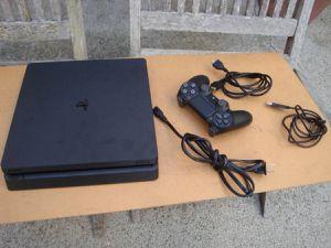 PS4 SLIM for Sale in Fresno, CA