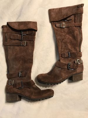 Bacio 61 Suede Boots, size 8 for Sale in Rustburg, VA