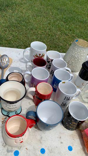 Kitchen, glassware, utensils, miscellaneous bundle for Sale in Fort Lauderdale, FL