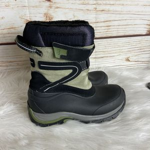 Kids snow boots for Sale in Ontario, CA