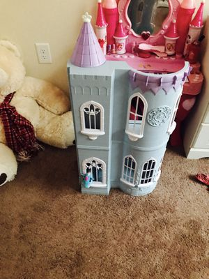 Doll house for Sale in Ashburn, VA