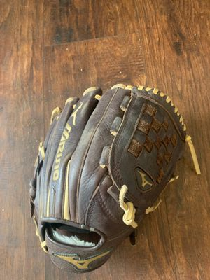 Mizuno baseball glove for Sale in Eastvale, CA