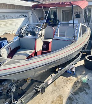 Nice 18ft fiberglass boat runs good water ready for Sale in Westminster, CA