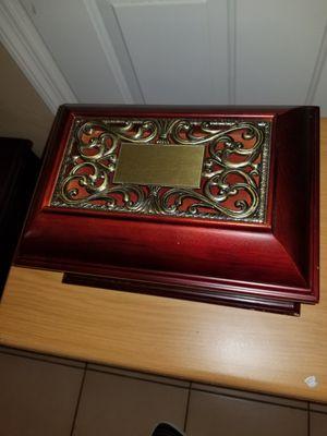 Gorgeous jewelry box for Sale in Miami, FL