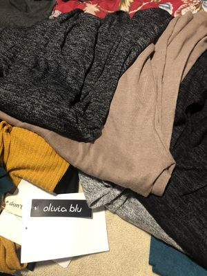 Cardigans talla m 8 dol for Sale in South Gate, CA