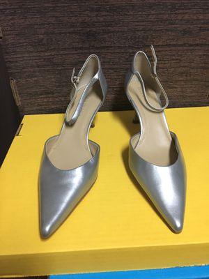 Silver Tracey Ellen Elegant Heels **Never Worn** Size 10 for Sale in Las Vegas, NV