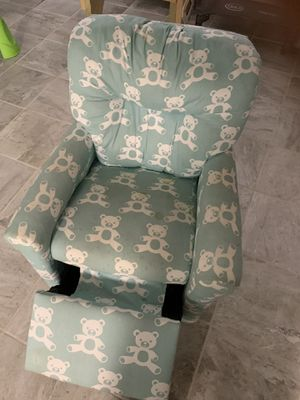 Kids recliner for Sale in Lakewood, OH