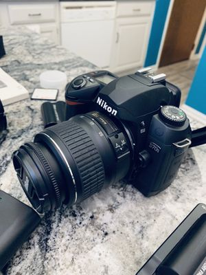 D 70 Nikon Digital Camera for Sale in Marysville, OH
