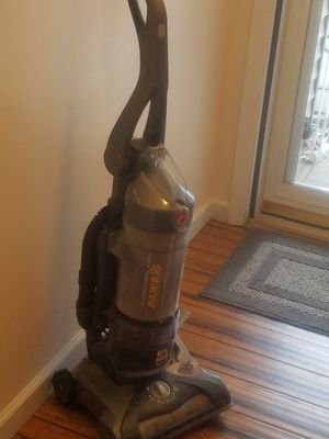 Hoover Windtunnel Paws Vacuum for Sale in Imperial, MO