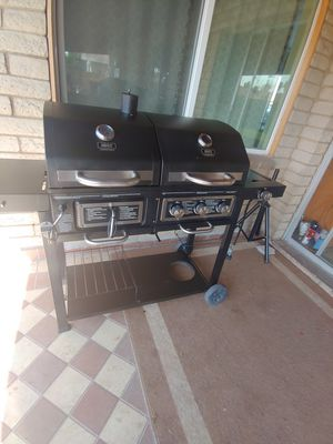 3 Burner Gas/ Charcoal Grill for Sale in Glendale, AZ