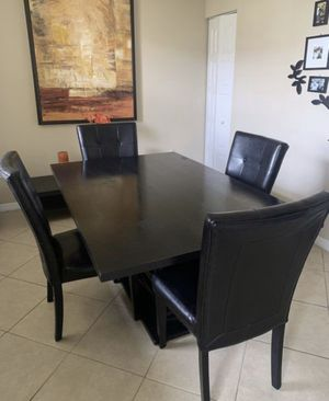Dining Set (Table / 4 Chairs) ¡READY TO GO! for Sale in Pembroke Pines, FL
