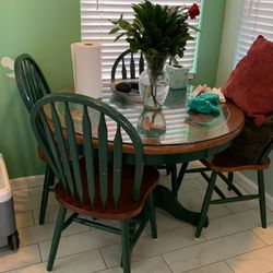 Kitchen Table And 4 Chairs. $75 for Sale in Downey,  CA