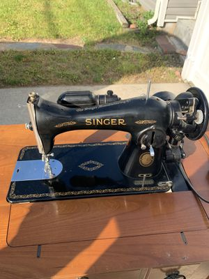 Singer sewing machine for Sale in Uniondale, NY