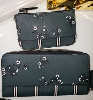 Marc Jacobs wallet and key chain for Sale in Santa Ana, CA