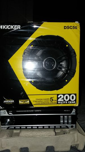CD player with two speakers for Sale in Lanham, MD