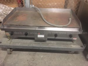 Wolf commercial 48 in stainless steel electric griddle for Sale in New Bedford, MA
