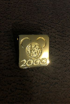 Disney annual passport pin 2000 for Sale in Irvine, CA