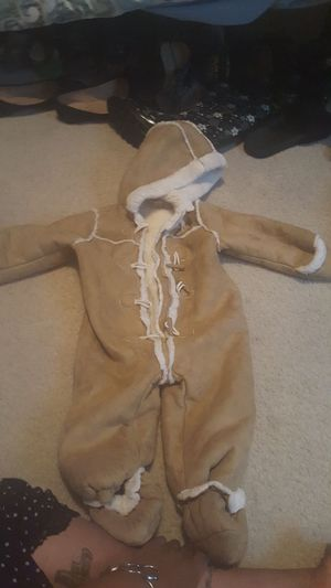 4c4eea684050 Macy s first impression faux fur footed snowsuit for Sale in Marietta