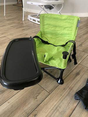 Baby camper chair with tray for Sale in Peoria, AZ