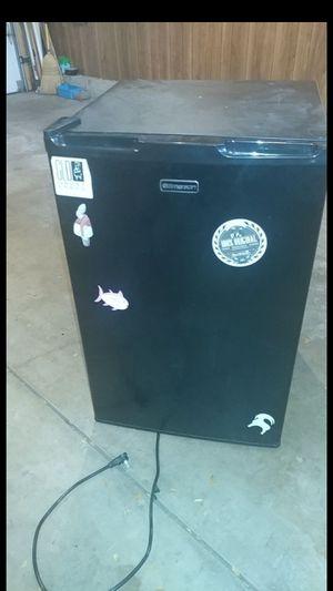 Mini fridge 2014 works good for Sale in Schaumburg, IL