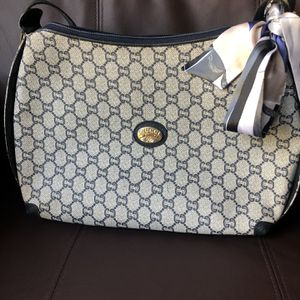 Shoulder Bag Gucci for Sale in Glendale, CA