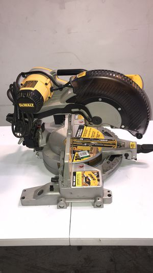 Dewalt Double-Bevel Compound Milter Saw for Sale in Miami, FL