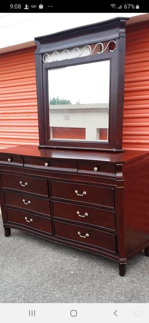 SET BEAUTIFUL QUALITY SOLID WOOD LONG DRESSER 8 DRAWERS BIG MIRROR AND NIGHTSTAND ALL DRAWERS SLIDING SMOOTHLY EXCELLENT CONDITION for Sale in Fairfax, VA