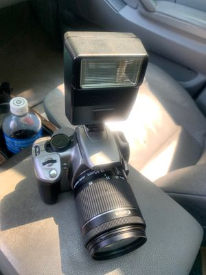 Canon Eos XT for Sale in Charlotte, NC