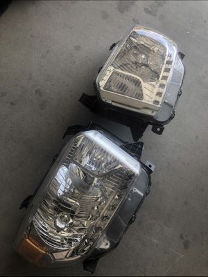 2016 Toyota Tundra OEM Headlights Excellent Condition for Sale in Phoenix, AZ