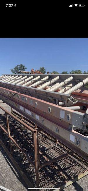 28 ft ladder for Sale in Medina, OH