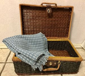 Wicker picnic basket and blanket for Sale in Phoenix, AZ