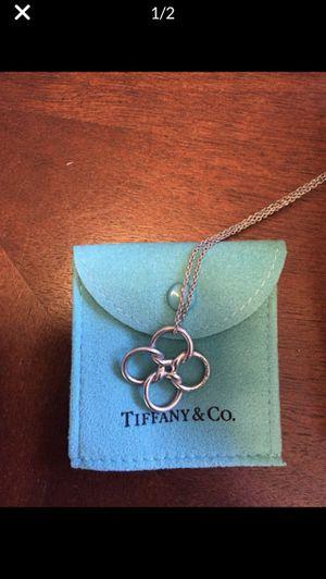 Quadrifoglio Tiffany and company Elsa Peretti silver pendant necklace for Sale in North Springfield, VA
