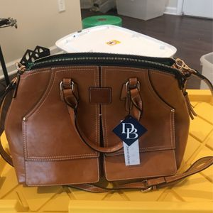 Dooney Bourke Shoulder/Tote Bag for Sale in Collierville, TN