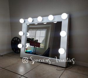 Large makeup and hair vanity mirror 30x36 for Sale in Menifee, CA
