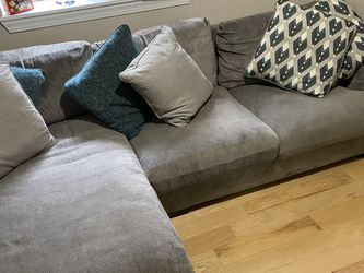 Sectional Couch (2 Piece) for Sale in Seattle,  WA