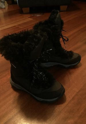 Girls The North Face snow boots size 1 for Sale in Bothell, WA