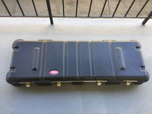 SKB Keyboard Case with a Wheels for Sale in Los Angeles, CA