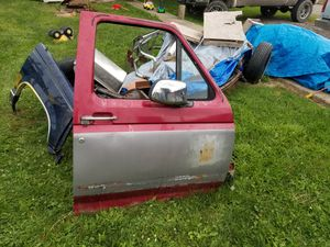 Ford truck parts CHEAP for Sale in Stoutsville, OH
