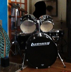 Drumset 5 piece with Cymbals/Stands, pedals, for Sale in Fresno, CA