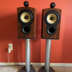 B&W 805s one pair speakers, Comes With Stand & Original Box . Mint condition for Sale in Fullerton, CA