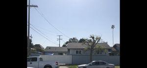 $3,000. Por mes Se Renta Una casa nueva de 3 recamaras y 2 banos en el Area de Jefferson Park Casa moderna y todo nuevo. Incluye estacionamiento pa for Sale in Los Angeles, CA