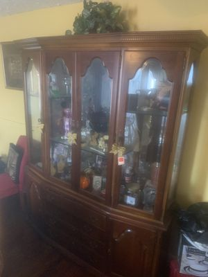 China cabinet antique set for Sale in Memphis, TN