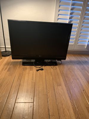 40 inch LG TV for Sale in West Los Angeles, CA