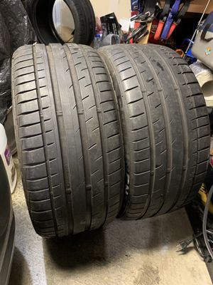 235/35/18 continental extreme contact dw tires for Sale in Everett, WA