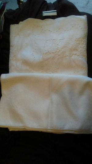 Tablecloth and napkin set for Sale in Dixon, MO