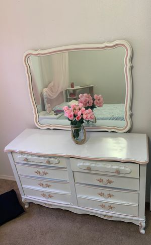 Princess bedroom set and mattress for Sale in Sherwood, OR