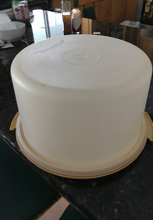 Tupperware Cake storage/container for Sale in Fort Lauderdale, FL