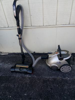 Hoover Bagless Canister Vacuum for Sale in Mableton, GA